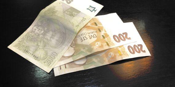 půjčujete peníze